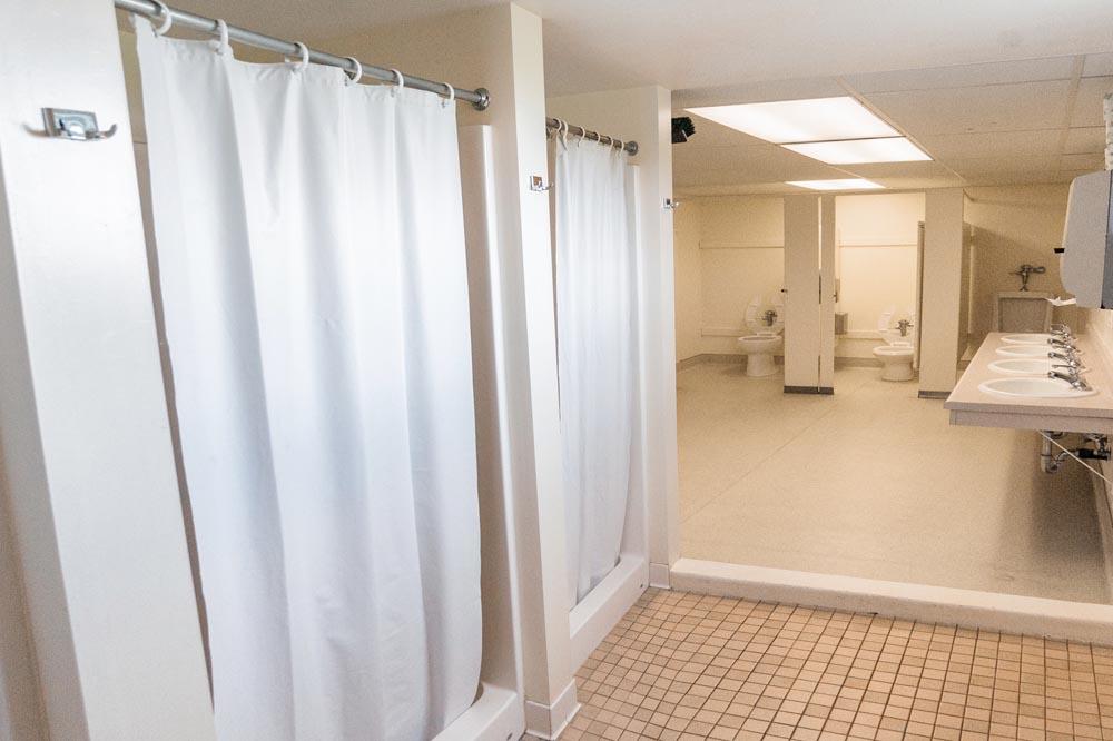Company Quarters A bathroom