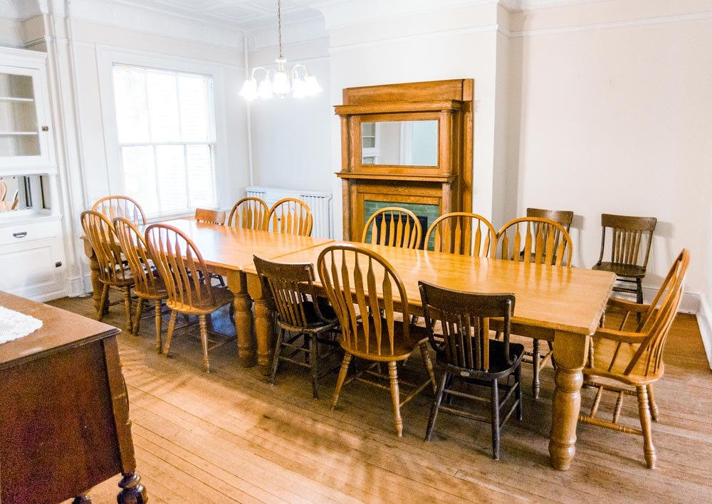 Alumni House West dining room