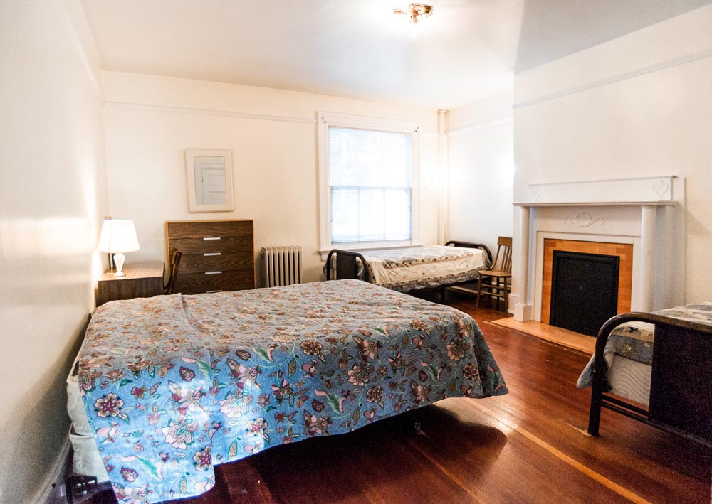 Alumni House bedroom